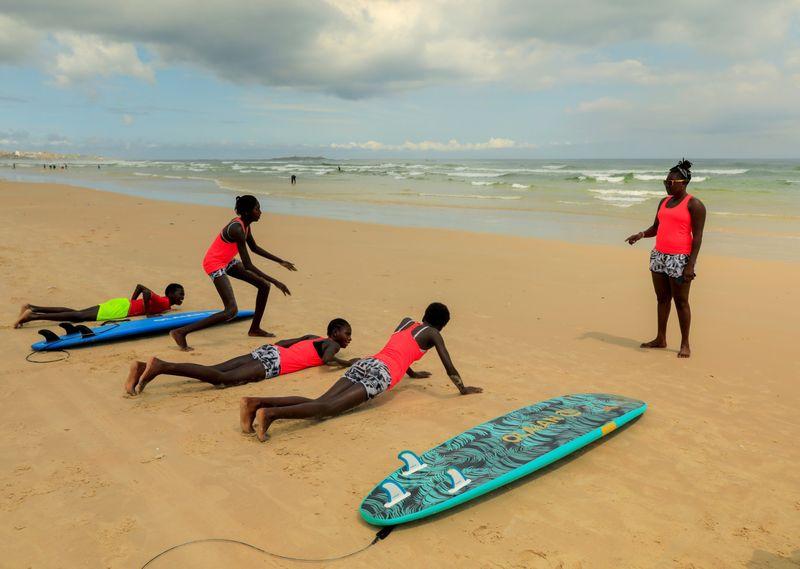 SURFER78-1598521993152
