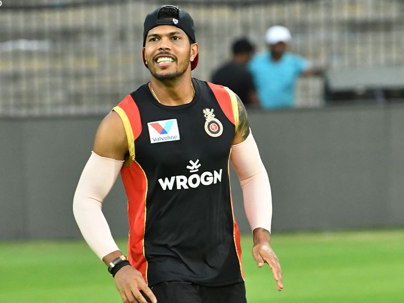 Royal Challengers Bangalore bond and train in Dubai