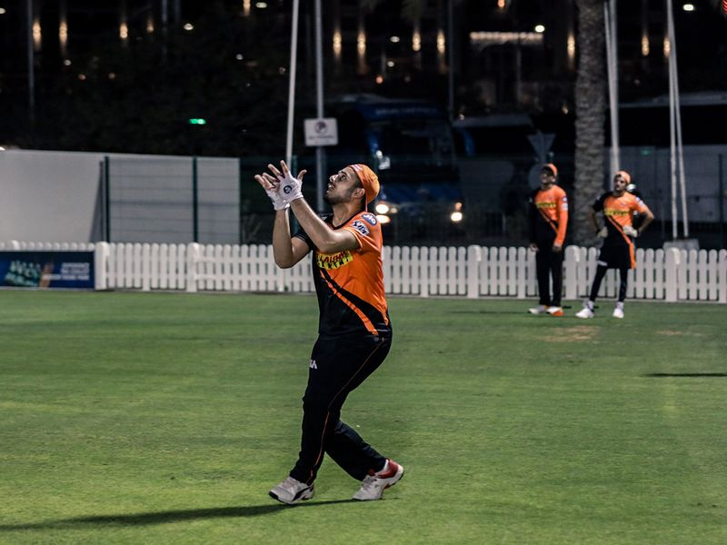 The safe hands were back in operation as Sunrisers Hyderabad emerged from their quarantine to get out in training.