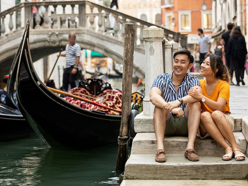 Chinese-tourists-in-Europe_iStock