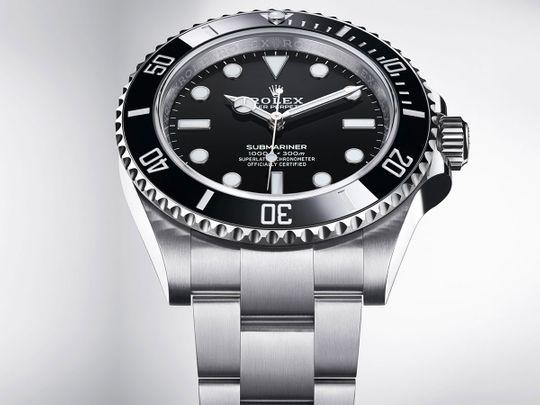 Rolex-Submariner_Ref-124060_cobra