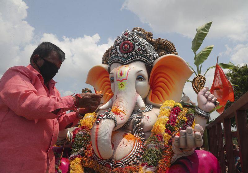 Copy of Virus_Outbreak_India_Hindu_Festival_56799.jpg-e4049-1599039503507