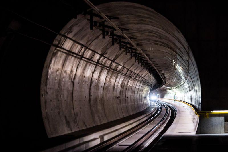Copy of Switzerland_Tunnel_85504.jpg-3e4be-1599306199725