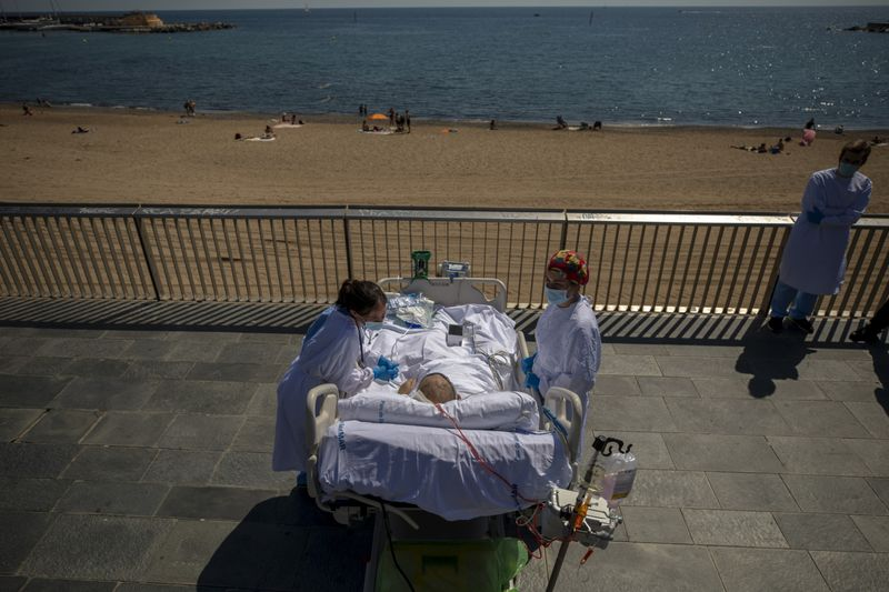 Copy of Virus_Outbreak_Spain_Seaside_Therapy_24448.jpg-9b56a-1599535790498
