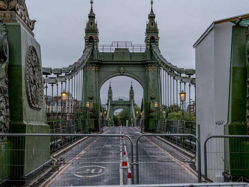 Hammersmith Bridge London closed