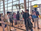 Stock Abu Dhabi airport passengers