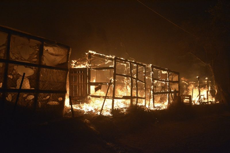 Copy of Greece_Migrant_Camp_Blaze_33200.jpg-d3bfd-1599634338332