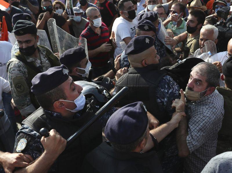 Copy of APTOPIX_Lebanon_Protest_33184.jpg-db97a-1599968967545