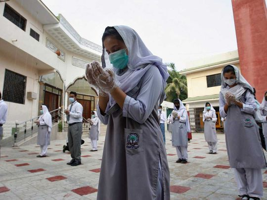 Pakistan school pray mask