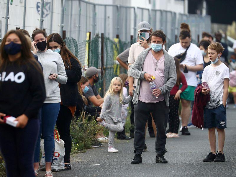 Coronavirus cases top 30m worldwide with Europe on edge