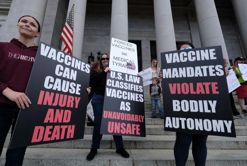 Anti vaccine 002