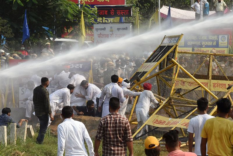 Delhi Police on high alert at Haryana border after farmers' protest