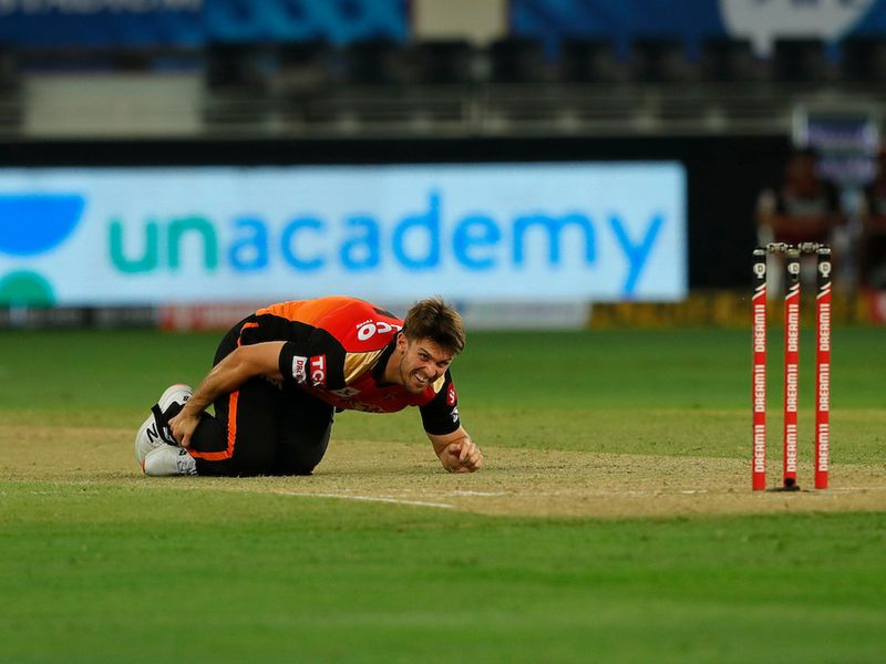 Sunrisers Hyderabad suffered a big blow when bowler Mitchell Marsh came off injured after an awkward fall.