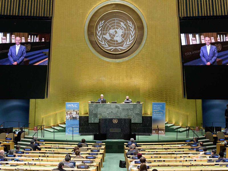 Empty UN summit for world in crisis
