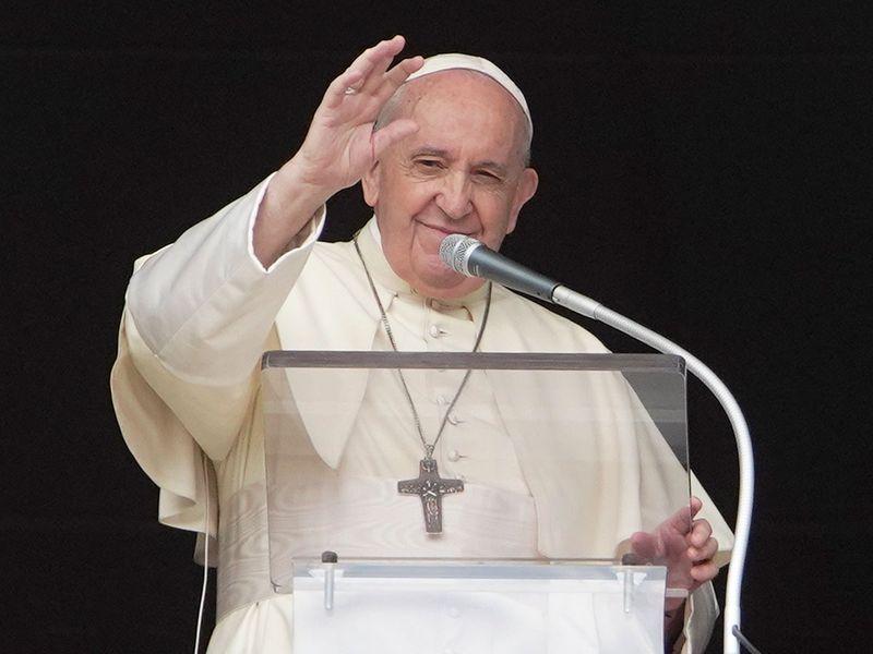 Vatican_Pope_25810