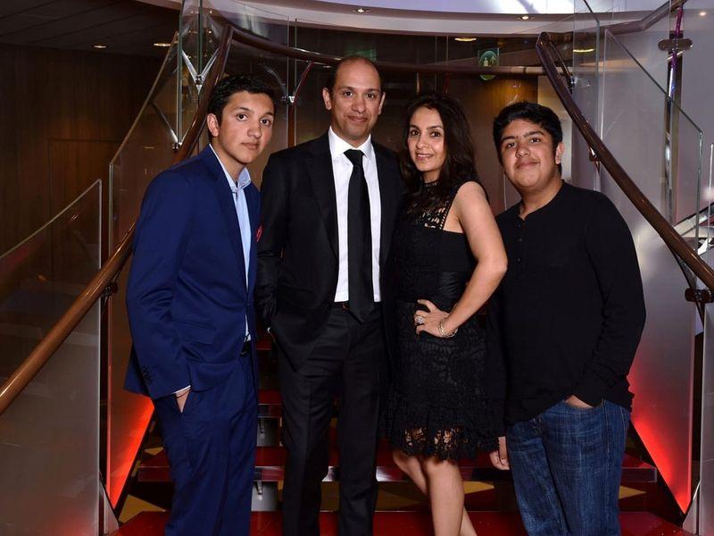 NAT Varun Mittal -Aman Mittal with parents-1601196593521