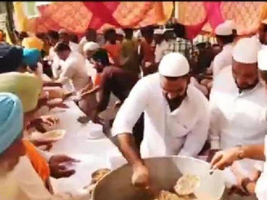 Muslims arrange langar for Sikh farmers