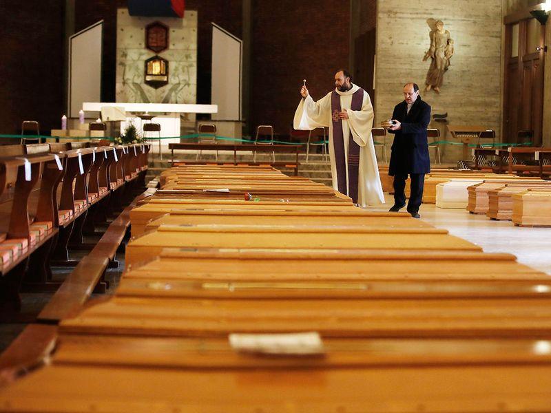 1 million COVID-19 deaths gallery