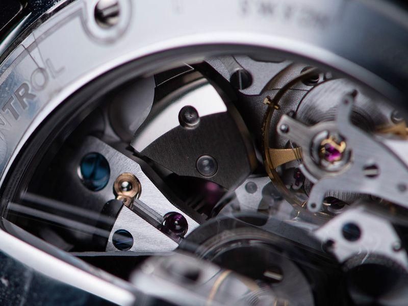Jaeger-Lecoultre_Polaris-Mariner_Memovox_hammer-and-gong