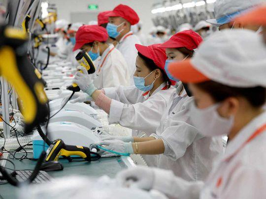 Labourers ventilators Vietnam