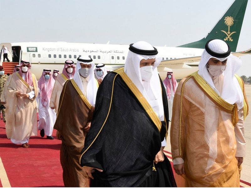 Saudi representatives arrived in Kuwait to offer their condolences