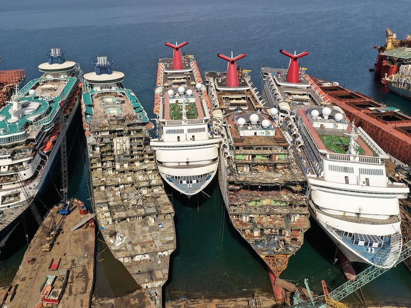 Dismantled ships gallery
