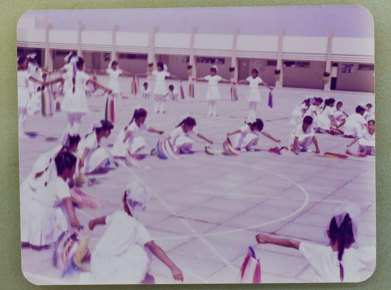 NAT 200922 EMIRATI TEACHER-11-1601799800123