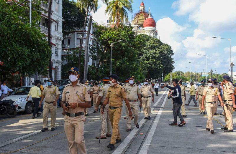 TAB 201006 MUMBAI POLICE-1601972560951