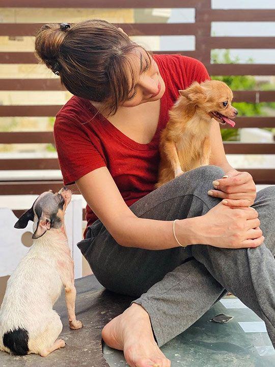 Mehwish Hayat with pets