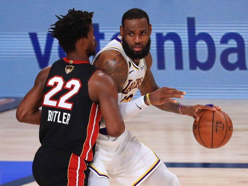 Jimmy-Butler-defends-LeBron-James