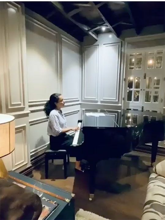 Kangana playing the piano