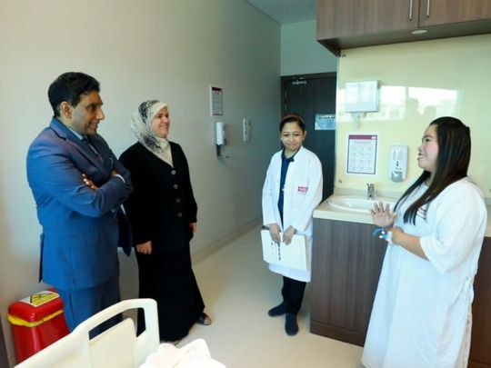 NAT SC Emma masangcay with her doctors 2-1602486018273