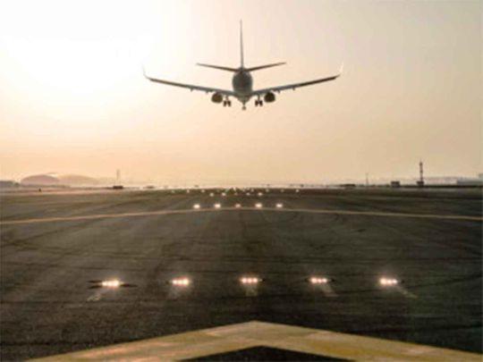20201016dubai airport runway