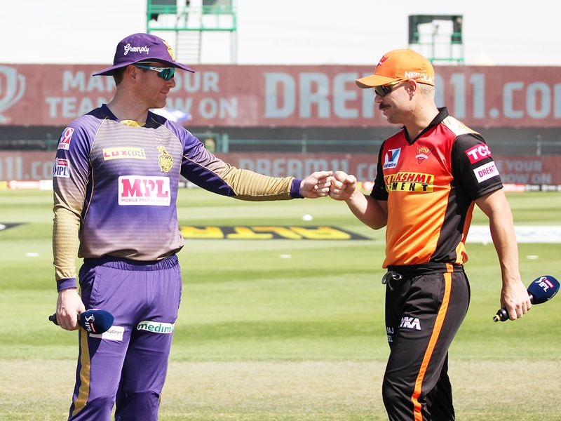 Kolkata Knight Riders captain Eoin Morgan (left) with David Warner