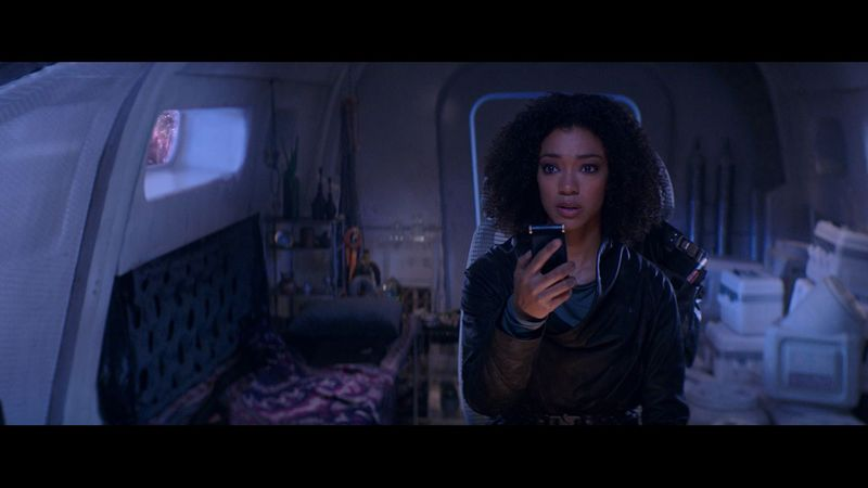 Sonequa Martin-Green in Star Trek Discovery-1603091339802
