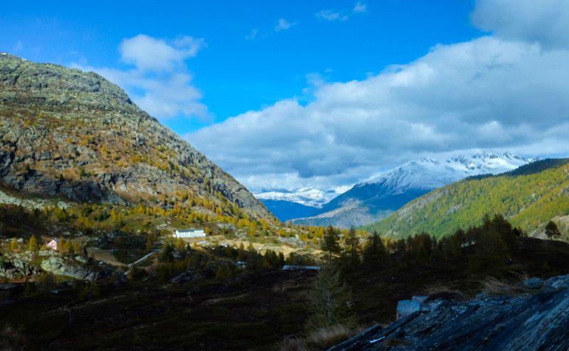 Fresh snow and autumn colours