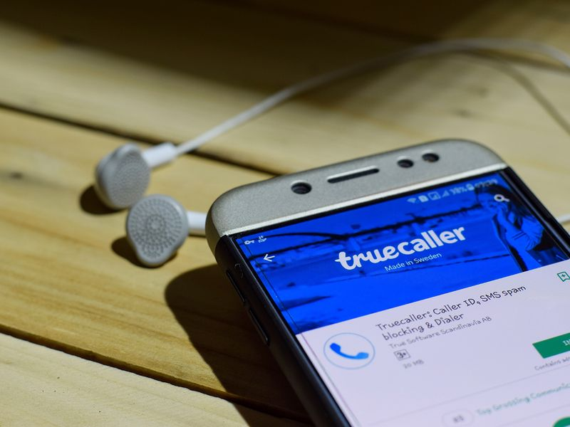 Truecaller now lets you set call reason, SMS scheduling, translation