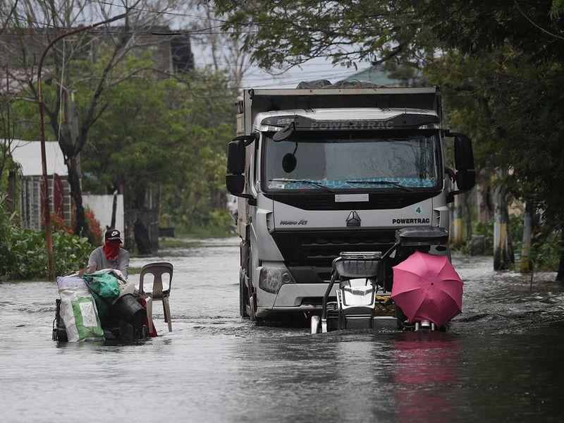 Philippines_Asia_Typhoon_15323