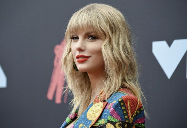 TAB 201027 Taylor Swift-1603803718802