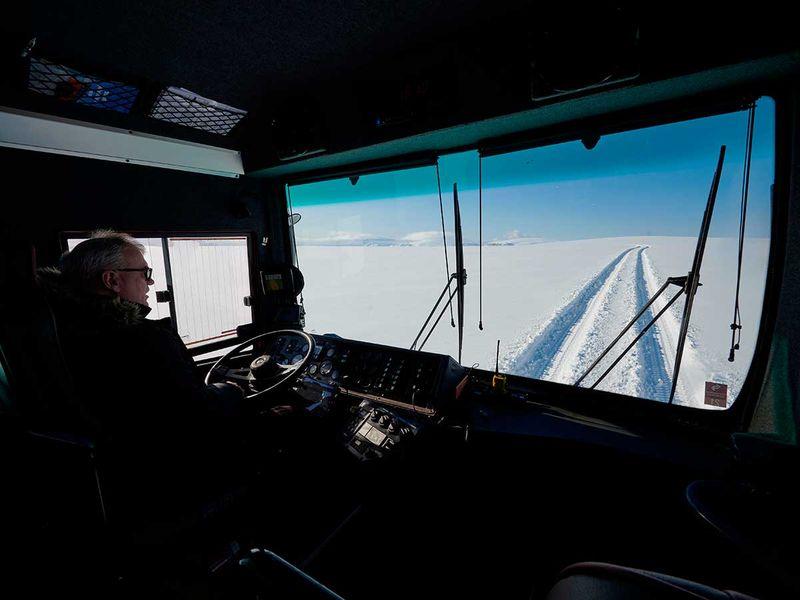 20201029 giant bus findland