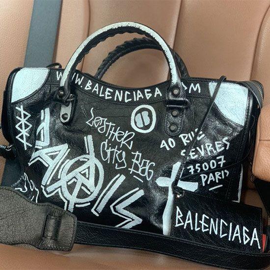 Nia Sharma hand bag