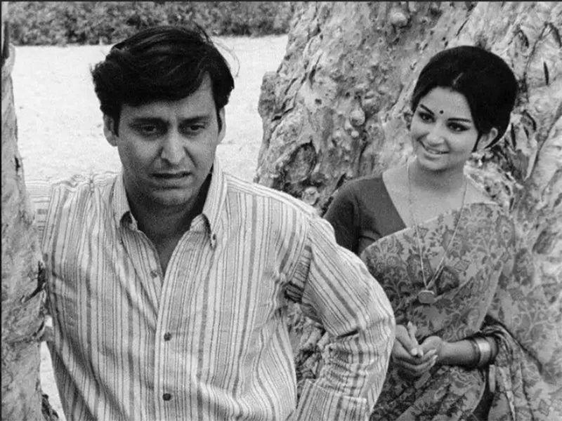 Soumitro Chaterjee in 'Aranyer Din Ratri'