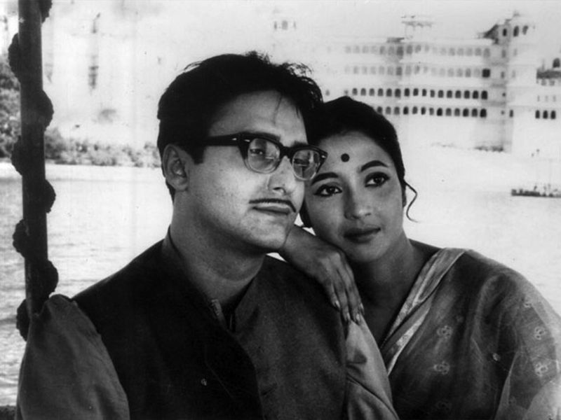 Soumitro Chatterjee in Sat Pake Badha