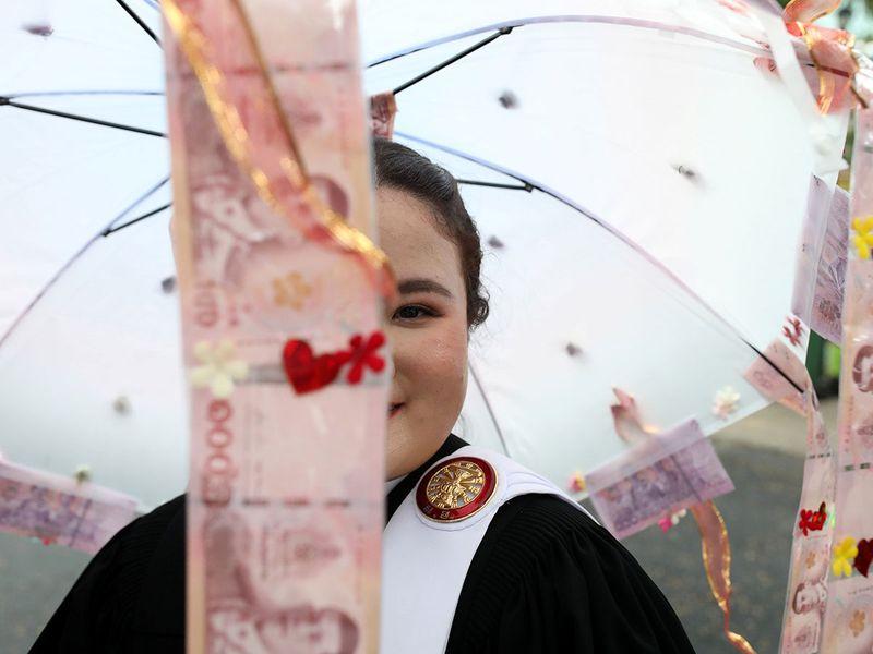 thai graduation gallery