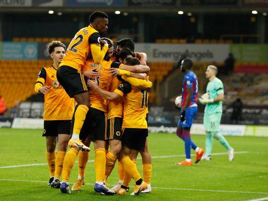 Wolves beat 10-man Crystal Palace 2-0