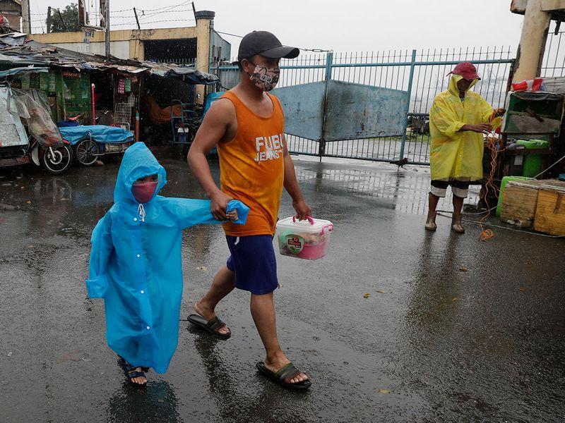 Philippines_Asia_Typhoon_97535
