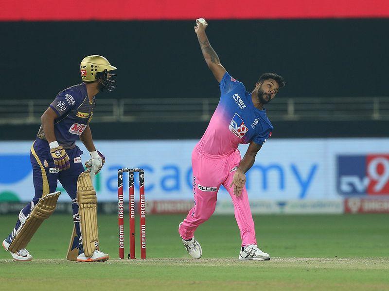 Varun Aaron of Rajasthan Royals bowls.