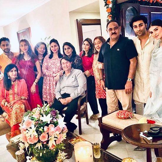 Kareena with Kapoor family