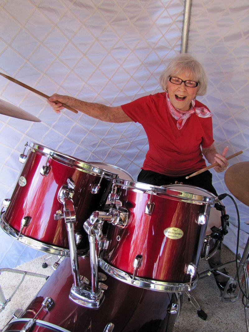 Viola Smith drummer