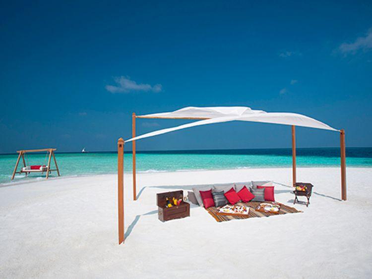 Baros Maldives picnic